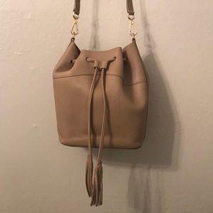 GiGi New York Jenn Bucket drawstring Bag Pebble